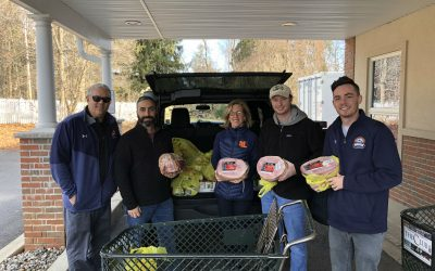 MLAA Delivers Food for the Holidays